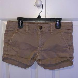 American Eagle Midi Khaki Shorts (2)